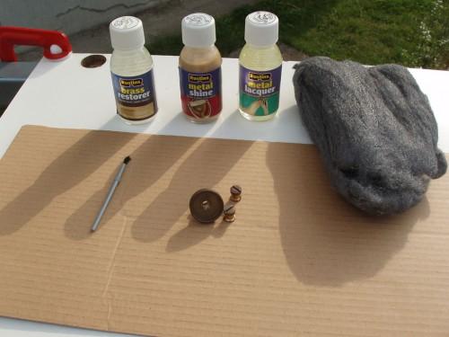 Materiale necesare pentru restaurarea obiectelor din alamă.