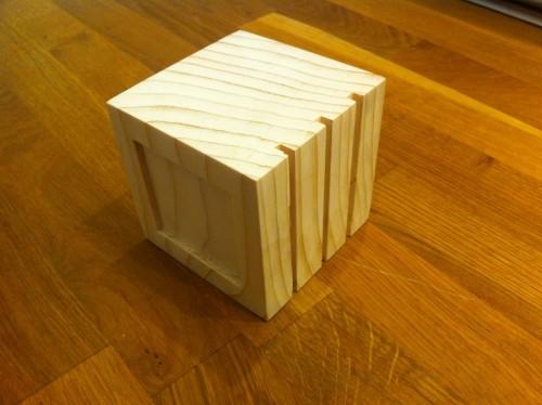 Cub - Fața cu linii