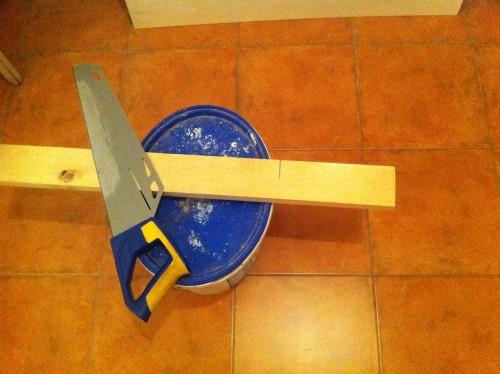 Am început cu o bucată de lemn adusă la dimensiunile potrivite.