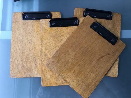 Clipboard-uri A5 la final și cu mecanisme în culoarea negru mat