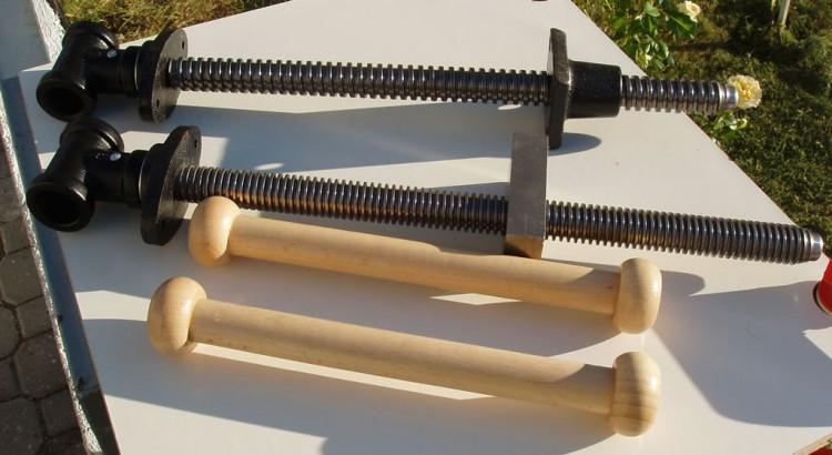 Șuruburile de la firma York cu piulițe și mânere