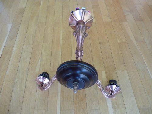 Lampa la final, strălucind ca în ziua când a fost scoasă din cutie.