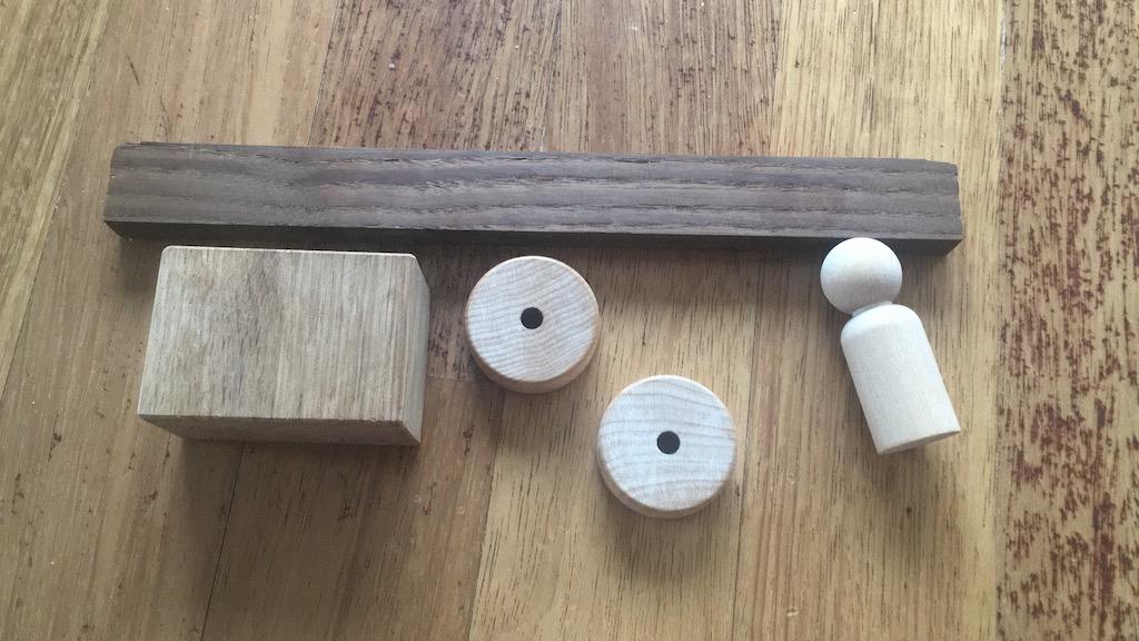 Piesele de lemn din care am realizat prototipul.