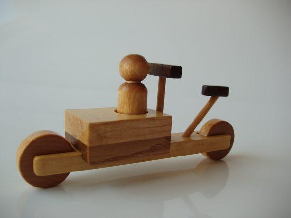 Bicicletă cargo, numărul de serie 5. (stânga-față)